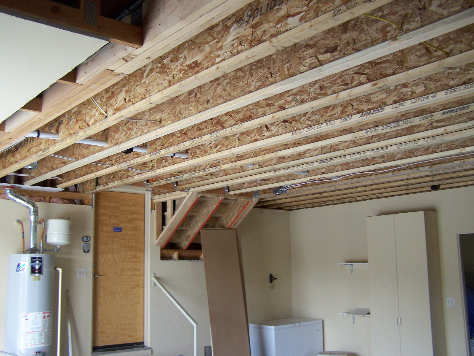 Replacing floor joists carpet vidalondon Floor trusses vs floor joists